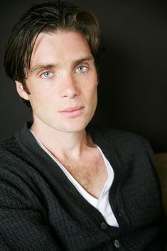 Cillian Murphy has the most perfect face.he's so beautiful that it's freaky. He looks like a mannequin. Pretty Men, Gorgeous Men, Pretty Boys, Beautiful People, Stunning Eyes, Pretty People, Cillian Murphy Peaky Blinders, Irish Men, Good Looking Men