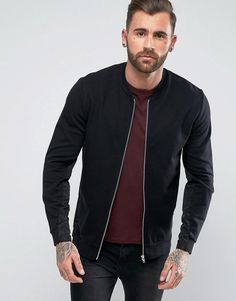 30 Men Outfit Ideas With Bomber Jacket - Bellestilo Bomber Jacket Outfit, Black Bomber Jacket, Leather Jacket, Bomber Negra, Stylish Men, Men Casual, How To Tie Shoes, Curvy Girl Lingerie, Winter Outfits Men