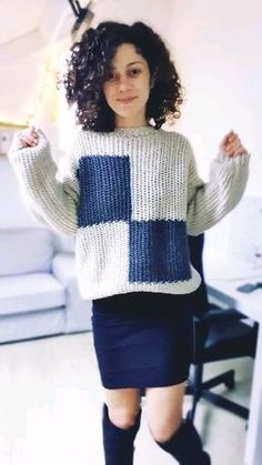 Easy Crochet, Crochet Ideas, Free Crochet, Knit Crochet, Crochet Sweaters, Crochet Clothes, Crochet Skirt Outfit, Knitting Patterns, Crochet Patterns