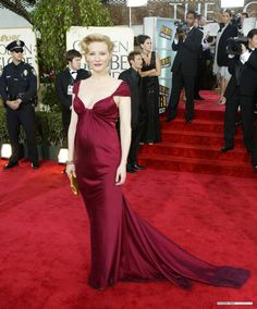 Cate Blanchett Donna Karan Golden Globes 2004. I'm not sure how she does it, but she has the most glamorous pregnant red carpet looks.