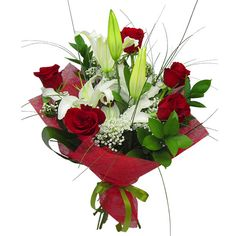A passionate bouquet with red roses and white lilies. Luxury Flowers, Romantic Flowers, All Flowers, Pretty Flowers, Flower Decorations, Wedding Decorations, Online Birthday Cake, Birthday Cake With Photo, Balloon Flowers