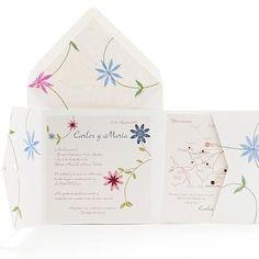 Les fleurs sont carrément brodées sur le papier. Magnifiques à toucher ! (Mes préférées de toute la collection)