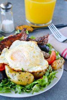 Courtesy of Food Fanatic, this brunch-worthy breakfast salad is truly a marriage of two meals. Peppered bacon, warm herbed potatoes, and egg are served on a bed of green salad. Assembly is required, but it's going to be worth it. We're Food Fanatic – a gathering of the best food bloggers the internet has to offer in …