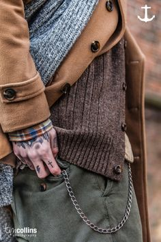 Tim Collins Photography for Stranded Sailors *we're gonna give you some hand tattoos, you down with that? Mens Fashion, Fashion Outfits, Fashion Trends, Dapper Dan, Neue Outfits, Rugged Style, Dress For Success, Vintage Denim, Mens Clothing Styles