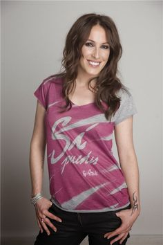 i want that shirt. Malu, All Things, Photoshop, V Neck, T Shirts For Women, Tops, Style, Celebrities, Trends