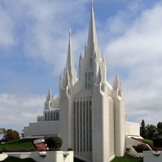 A Mormon temple in San Diego, CA  We love Temples at: www.MormonFavorites.com