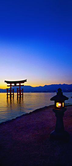 Floating Torii Gate, Itsukushima Shrine, Miyajima, Hiroshima, Japan