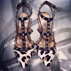 Just snagged the very last pair of these limited edition #Valentinos ✨✨ Thanks to the hubby @khushalmusic for spotting them first! Now two women are trying to fight me for them. I knew one day my 5+ years of Tae Kwon Do training would come in handy. @Maison ecologique ecologique Valentino - @Crystal Chou Chou Lopez- #webstagram