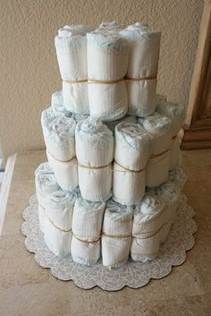 diaper cake tutorial - for an awesome shower gift!!!!!