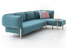 Patricia Urquiola upholsters modular sofa for Moroso in jersey fabric Patricia Urquiola, Sofa Furniture, Luxury Furniture, Furniture Design, Office Furniture, Sofa Couch, Couch Set, Sofa Design, Single Sofa