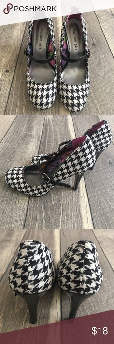 Madden Girl Oh La La Houndstooth Mary Jane Heels Madden Girl Oh La La Houndstooth Mary Jane Heels. In great condition.    ·          Color: Black, White ·          Tag Size: Women's Size 8.5 ·          Heel size: Apprx 4.5 inches Madden Girl Shoes Heels