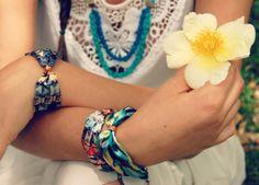 Alice et le lapin blanc necklace and bracelets