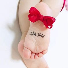 Monthly Baby Photos, Newborn Baby Photos, Baby Poses, Newborn Pictures, Baby Boy Newborn, Cute Babies Photography, Newborn Photography Poses, Children Photography, Urban Photography