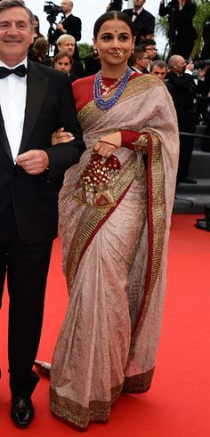 Vidya Balan is the best saree trend setter for plus size body types, style inspiration for plus size women. See top 40 Vidya Balan Saree Styles Indian Attire, Indian Wear, Indian Outfits, Bollywood Sarees Online, Bollywood Fashion, Bollywood Celebrities, Sabyasachi Sarees, Indian Sarees, Lehenga Choli