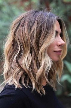 50 Chic Short Bob Hairstyles & Haircuts for Women in 2019 - Style My Hairs Shoulder Length Hair Balayage, Shoulder Length Hair With Bangs, Shoulder Length Hairstyles, Shoulder Hair Cuts, Above Shoulder Hair, Mid Length Hairstyles, Long Bob Hairstyles For Thick Hair, Layered Haircuts Shoulder Length, Shoulder Hair Styles