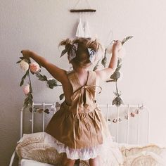 & boho child & bohemian style & young gypsy soul & earth baby & elements of bohemia & wild adventures & free spirit & bohemian baby & little wanderers & living free & Baby Kind, Baby Love, Little Babies, Cute Babies, Bohemian Baby, Bohemian Style, Kid Styles, Kind Mode, Cute Kids