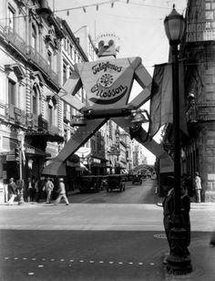 Downtown, circa 1950s from Facebook page La Ciudad de Mexico en el Tiempo