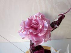 Isomalt rose. Isomalt, Pastry Art, Sugar Art, Cakes, Rose, Inspiration, Decor, Enamel, Biblical Inspiration