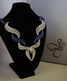 Waves Bobbin Lace Necklace by JanaCraftyShop on Etsy Bold Necklace, Lace Necklace, Lace Jewelry, Beaded Jewelry Patterns, Lace Patterns, Fabric Jewelry, Jewelry Crafts, Col Crochet, Crochet Bra