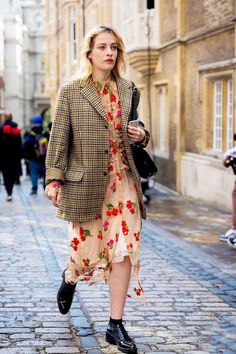 London ss 2018 street style: before simone rocha who what wear, spring fashion, Day Party Outfits, Cute Valentines Day Outfits, Street Style Vintage, Look Street Style, Grunge Goth, Hipster Grunge, Fashion Weeks, Star Fashion, Fashion Outfits