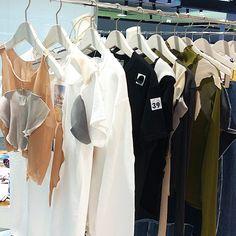 デニムパンツやスカートも本日入荷致しましたビンゴTもあります写真左のランジェリートップスはラスト1枚ですこれもペンダント付いてます9/18(金)と19(土)はわたしもお店に終日おります遊びに来てください #kotohayokozawa #wall_harajuku by kotohayokozawa