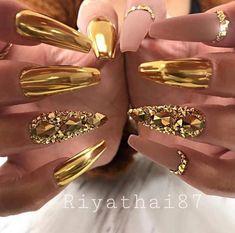 Gold Chrome Nails, Chrome Nail Powder, Gold Nail Art, Cute Acrylic Nails, Chrome Nail Art, Red And Gold Nails, Gold Nail Polish, Glam Nails, Bling Nails