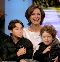 Their children: Elizabeth Vargas smiled during a taping of Good Morning America as she hel. Marc Cohn, Abc News Anchors, Elizabeth Vargas, Zombie Head, Good Morning America, Divorce, Equality, Hair Ideas, Hair Cuts