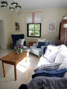 Pikkutalon elämää Decor, Living Room, Bed, Furniture, Room