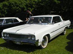 Oldsmobile 88 4dr HT