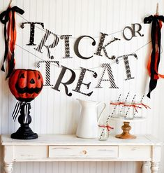 DIY Halloween Garlands (Pennants, Buntings and Banners)