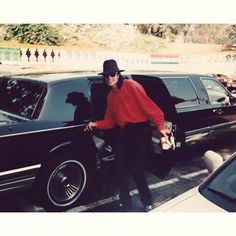 Michael Jackson inviting you to come along for the LIMO ride. Michael Jackson Neverland, Michael Jackson Bad Era, Jackson Family, Jackson 5, Mj Dangerous, You Are My Life, King Of Music, The Jacksons, Cd Cover