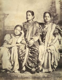 Here are some fascinating photos of Vintage Indian Glamour You will see women donning sarees in different fashions, including the Mahara. Vintage India, Colonial India, British Family, Old Photography, Victorian Photography, History Of India, Vintage Pictures, Vintage Images, Vintage Photographs