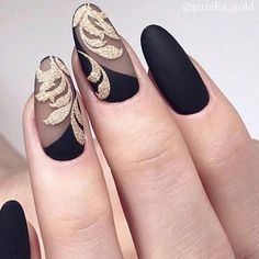 Sweety Oval Nails for Elegant Look