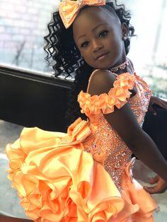 Si Anna the Pageant Queen Cute Black Kids, Black Little Girls, Cute Little Girls Outfits, Pretty Kids, Beautiful Black Babies, Pretty Black Girls, Beautiful Children, Baby Pageant Dresses, Pageant Girls