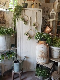 Green colours are great for human eyes and offer many fabulous green colour hues that allow to add depth to natural garden design landhaus 37 Beautiful Garden Pictures For You Deco Champetre, Potting Sheds, Garden Pictures, Natural Garden, Garden Projects, Diy Projects, Beautiful Gardens, Farmhouse Decor, Farmhouse Style