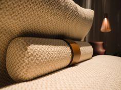 FLEXFORM little #cushion of the LARIO sofa, designed by Antonio Citterio. Find out more on www.flexform.it