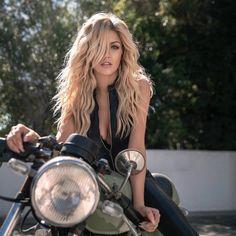 Kat Mcnamara, Katherine Mcnamara, Clary Und Jace, Motorbike Girl, Biker Girl, The Cw, Photography Women, American Actress, Redheads