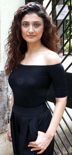 Indian TV Actress Ragini Khanna Long Hair In Black Dress TV actress Photographs TV ACTRESS PHOTOGRAPHS | IN.PINTEREST.COM #ENTERTAINMENT #EDUCRATSWEB