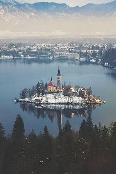 krakovianka:  ikwt:    a fairy tale (İlhan Eroglu) ikwt instagram  Bled, Slovenia