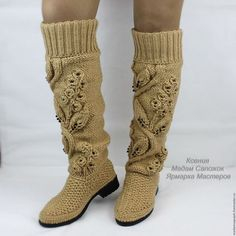Фотография Crochet Boot Socks, Crochet Slippers, Crochet Yarn, Knitting Stiches, Knitting Patterns, Crochet Patterns, Doll Clothes Patterns, Clothing Patterns, Make Your Own Shoes