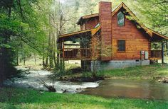 Creekside cabin has 2 bedrooms and sleeps 4 people. Smoky Mountain log cabin and chalet rentals. Perfect for honeymoons, family vacations an...