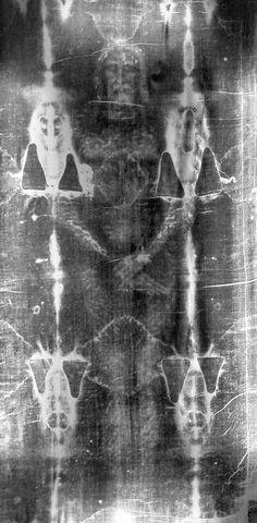Latest Information Concerning The Shroud of Turin - Catholic Church - Religion Saint Esprit, Jesus Christus, Templer, Jesus Pictures, Christian Art, Roman Catholic, Religious Art, Holy Spirit, Beautiful World