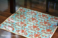DIY Splat mat... Mom will you make a big one of these for Joanna and new baby to get messy on???