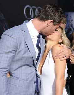 Chris Hemsworth and Elsa Pataky showed steamy PDA on the red carpet at the Avengers premiere.