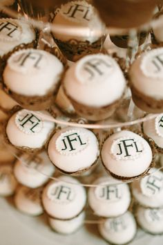 monogrammed cupcakes ~ really cute!