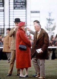 18 March Prince Charles and Princess Diana at the Cheltenham Gold Cup at Cheltenham Racecourse, Prestbury Park, Cheshire. The Princess' grandmother was also a spectator at the event Charles And Diana, Prince Charles, William Kate, Prince And Princess, Princess Of Wales, Princess Margaret, Royal Princess, Princess Diana Pregnant, Cheltenham Racecourse