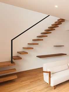 4 Times The Stair Decoration Would Make You Feel Amazed - Trend Crafts Stair Railing Design, Stair Handrail, Stair Decor, Interior Staircase, Staircase Ideas, Camera Decor, House Inside, House Stairs, House Design