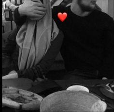 Cute Muslim Couples, Cute Couples Goals, Romantic Couples, True Love Images, Cute Love Pictures, Muslim Couple Photography, Photography Poses For Men, Love My Parents Quotes, Muslim Images