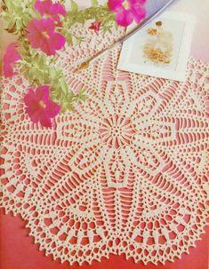 crochet patterns of Doilies, Tablecloths, Pillows, Coasters Crochet Doily Diagram, Crochet Doily Patterns, Crochet Art, Crochet Home, Thread Crochet, Crochet Motif, Vintage Crochet, Filet Crochet, Vintage Lace
