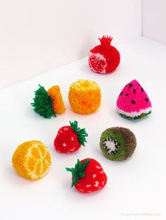 How cute are these Pom Pom fruit tutorials! Great DIY for summer:) Suddenly I am re-obsessed with anything pom pom. Kids Crafts, Cute Crafts, Diy And Crafts, Arts And Crafts, Pom Pom Crafts, Yarn Crafts, Diy Projects To Try, Craft Projects, Craft Ideas